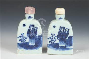 PAIR CHINESE BLUE AND WHITE PORCELAIN SNUFF BOTTLES, mid-20t