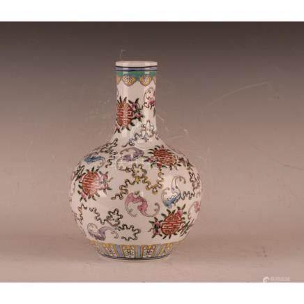 Dou Cai Bottle Vase
