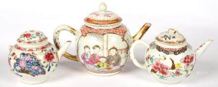 THREE CHINESE EXPORT PORCELAIN FAMILLE ROSE TEAPOTS AND COVER OR ASSOCIATED COVER, THE LARGER