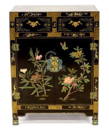 A CHINESE LACQUERED CABINET, DECORATED WITH BIRDS AND FOLIAGE, 92CM H; 66 X 35CM
