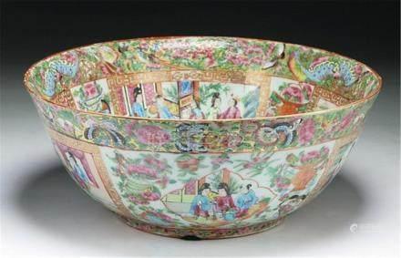 A Big Chinese Antique Qianlong Rose Medallion Porcelain Bowl