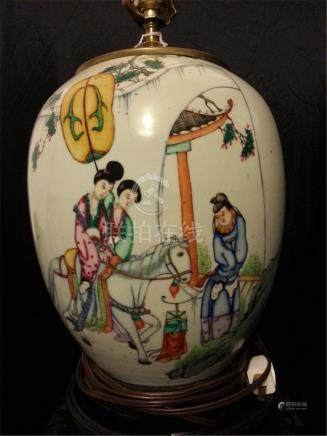 ANTIQUE CHINESE FAMILLE ROSE PORCELAIN lamps