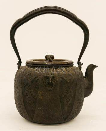 Meiji Japanese Bronze Lid Tetsubin Teapot 9''x7.5''. Molded