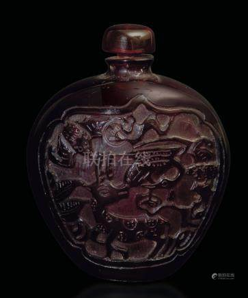 An amber snuff bottle, China, 1900s