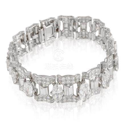 Cartier – Very attractive wide and long articulated platinum