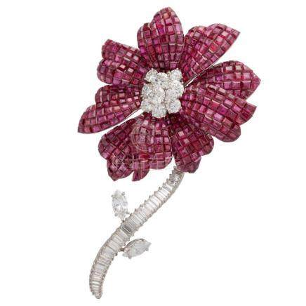 "* Van Cleef & Arpels – Exceptional and very large ""Magnolia"""