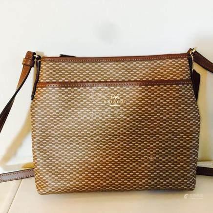 Ladies Brown Coach Bag! Brand New Messenger/Sling Bag