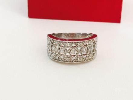14K Gold, 1.20 Carat VS clarity Diamond Ring