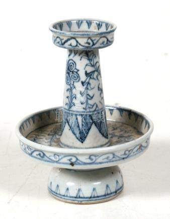 A Chinese Kangxi blue & white temple candlestick, 12.5cms (5ins) high.