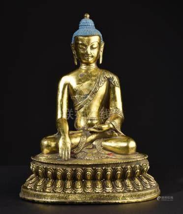 Buddha Shakyamuni. Chinese Buddhist statue