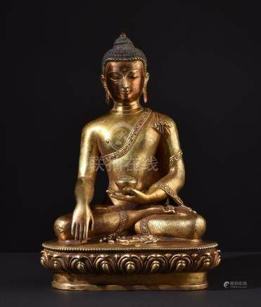 Buddha Shakyamuni. Impressive Tibetan or Chinese gilt bronze