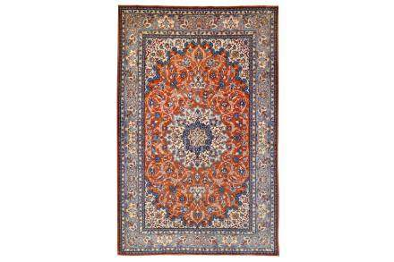 A FINE ISFAHAN RUG, CENTRAL PERSIA approx: 7ft.2in. x 4ft.9i
