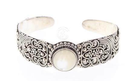 Vintage Asian Design Cuff Bracelet