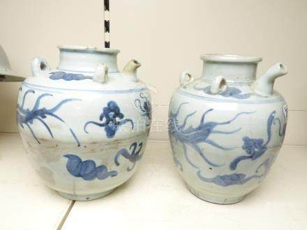 A PAIR OF CHINESE KENDI WATER JARS WITH DRAGON DECORATION, 26CM HIGH
