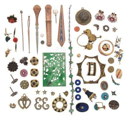 Various items of jewellery etc, including a cased set of three gold dress studs mounted with
