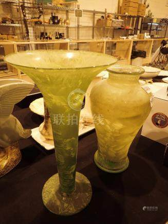 Two green glass vases tallest H: 38 cm