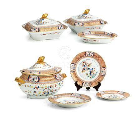 An extensive Spode stone china dinner service Circa 1820
