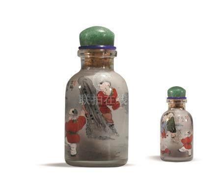 薛少甫作玻璃内绘婴戏图鼻烟壶 XUE SHAOFU MARK GLASS SNUFF BOTTLE
