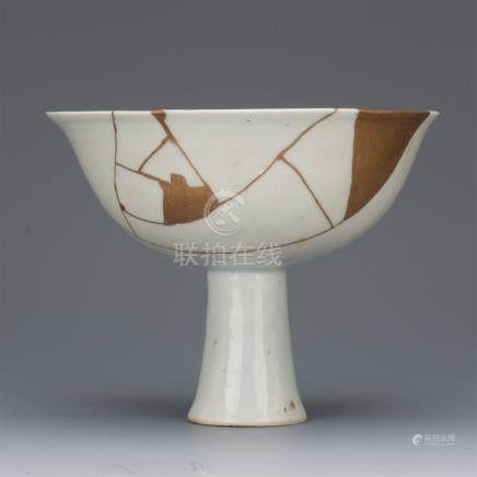 CHINESE PORCELAIN WHITE GLAZE STEM CUP