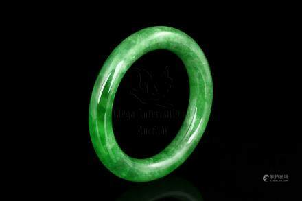 JADEITE ROUND BANGLE