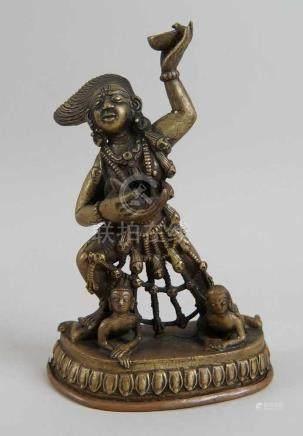 Kali, Shiva und Bhairava, Bronze/Kupfer, 18./19. JH, H 21 cm, signiert