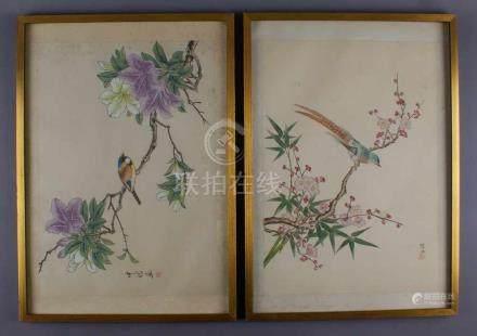 Paar asiatische Stilleben auf Stoff gemalt, farbenprächtige Vögel auf blühenden Ästen,bezeichnet, o.