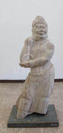 Asiatische Marmorskulptur, fein gearbeitet, 18. JH, Holzsockel ergänzt, H 84 cm