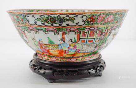 Chinese Export Rose Medallion Bowl with Stand