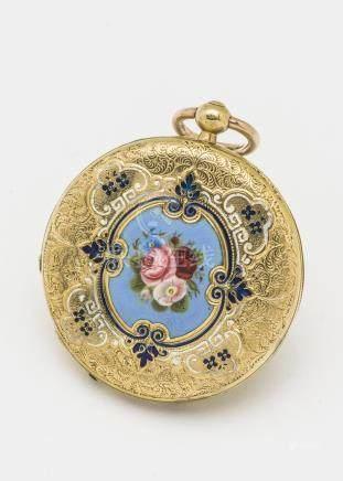 Montre de col de forme savonnette en or jaune 18 carats (750 millièmes) à décor