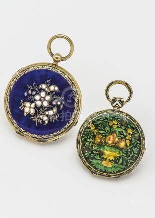 Lot de deux montres de col en or jaune 18 carats (750 millièmes), l'une émaillé