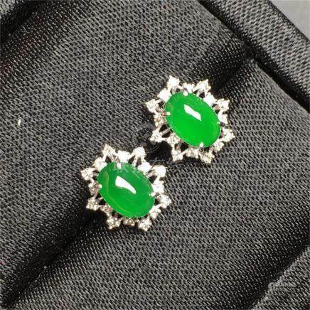 18K WHITE GOLD DIAMOND NATURAL JADEITE EARRINGS