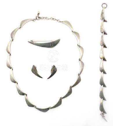 Danish silver suite of  jewellery  - necklace, pair