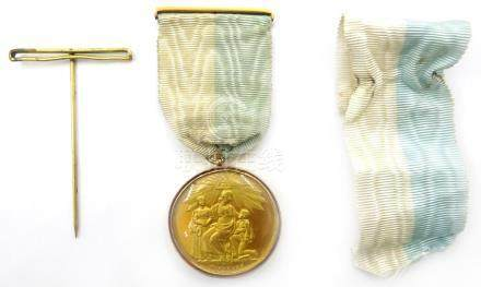 1925 gilt Masonic medal in double gold surround stamped