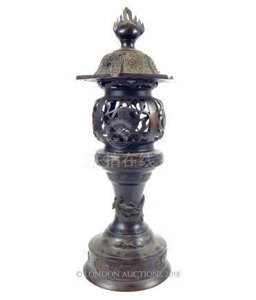 A Japanese Edo Period bronze lantern