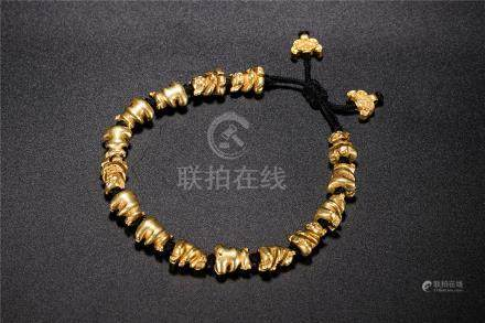 A Pure Gold 'Bear' Bracelet