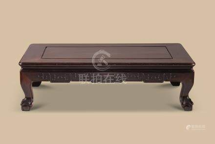 清代(1644-1911) 红木如意云纹长方桌