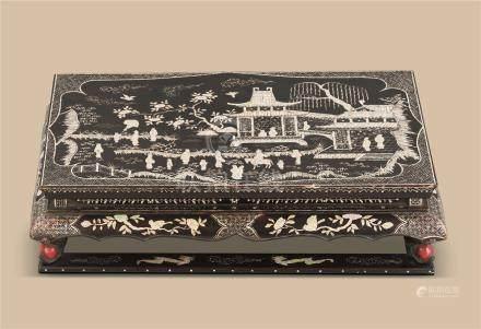 明代(1368-1644) 黑漆嵌螺钿亭台楼阁人物纹托泥长方台