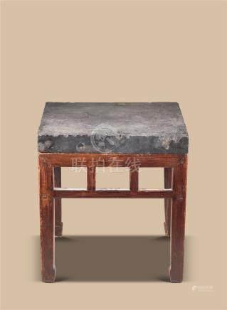 清代(1644-1911) 金石面榆木四方桌
