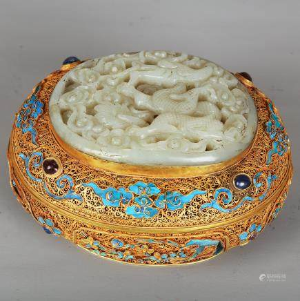 CHINESE JADE PLAQUE ON GILT SILVER WIRE BOX