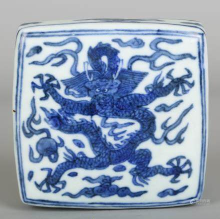 CHINESE BLUE WHITE DRAGON PORCELAIN SCHOLAR WEIGHT