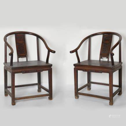 CHINESE PAIR OF ROSEWOOD HORSESHOE CHAIR