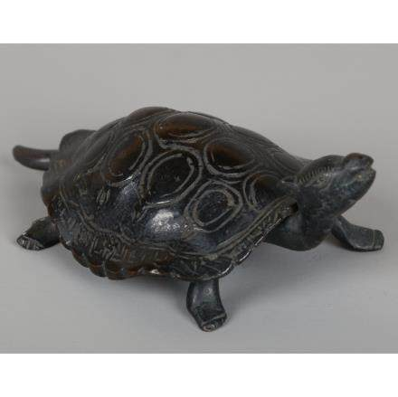 CHINESE BRONZE FIGURE OF TURTLE