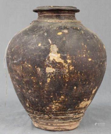 Vorratsgefäß. Steingut. Wohl Zentralasien. Antik.30 cm hoch.Storage vessel. Probably Central Asia.