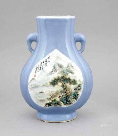 Vase, China, späte Qing Dyn./ frühe Republikzeit, Porzellan, polychrome Aufglasurbemalung,