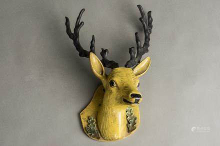 A PORCELAIN DEER HEAD, QING DYNASTY