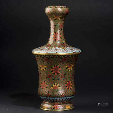 A CHINESE CLOISONNE ENAMELED GARLIC-HEAD VASE
