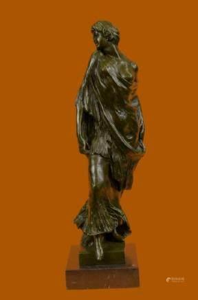 Handmade bronze sculpture Model Style 1920 Vitaleh Aldo