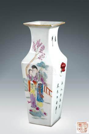 民初  粉彩仕女紋方瓶