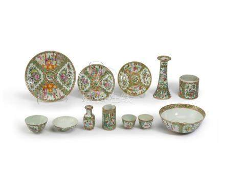 A group of Chinese Rose Medallion table items