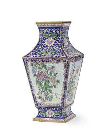 A Chinese Republic period enameled vase